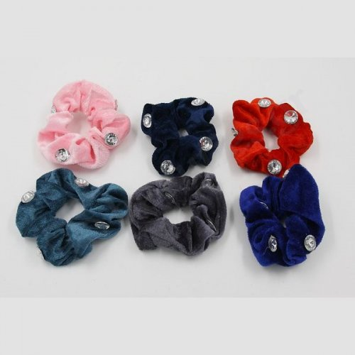 ELASTIC COLORED VELVETEEN SCRUNCHIE WITH DIAMOND