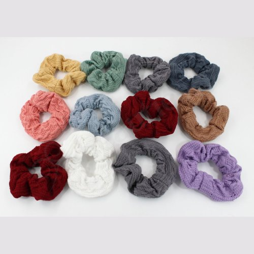 KNITTED HAIR SCRUNCHIE